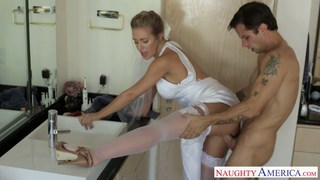 Sexy blonde bride Nicole Aniston fucking Thumbnail