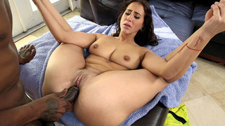 Valerie Kay spreads her legs wide and takes a deep pounding Thumbnail