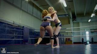 Amazing fight of amazing babes Alice King and Daikiri Thumbnail