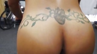 Fit ebony MILF likes to give a blowjob Thumbnail