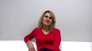 Czech MILF fucked during casting Thumbnail