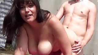 Deutsche BBW Girls lassen ihre Titten wackeln Thumbnail