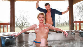 Confessions of a horny cougar Thumbnail