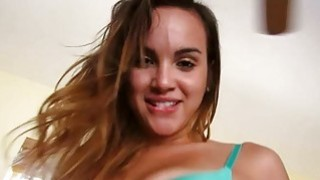Sweetheart opens up her legs for some cunnilingus Thumbnail