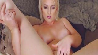 Flawless Curvy Babe Masturbates Her Pussy
