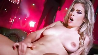 Sexy stripper Eva Parker goes above and beyond Thumbnail