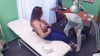 Big booty and tits patient fucked in fake hospital