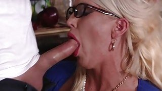 Dolly and Alura enjoyed a 3some in the kitchen Thumbnail