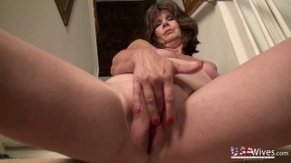 USAwives Awesome Mature Lovers Showoff Slideshow Thumbnail